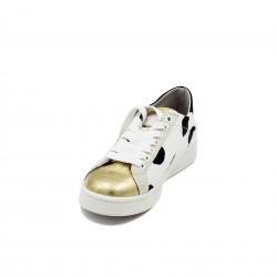 DATE sneakers pois